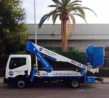 Camión Cesta con brazo hasta 14,5 metros
